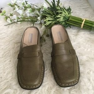 DOCKERS LEATHER SLIP ON SHOES MULES SZ 7.5